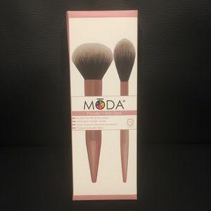 Moda Brushes powder and soft glow kit NIB